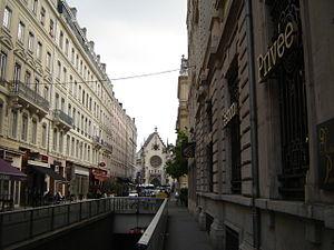 Rue de la Bourse - Part of the street which overlooks the Sanctuaire Saint-Bonaventure