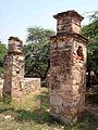 Ruins Balban Khan Tomb 002.jpg