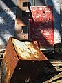 Rusted tub (4740511896).jpg
