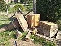 Saint-Just-d'Avray - Croix du Château cassée après accident (oct 2019).jpg