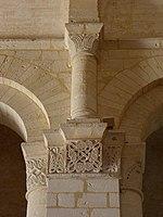 Saintes (17) Basilique Saint-Eutrope Intérieur Chapiteau 16.JPG