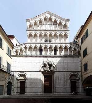 San Michele in Borgo - Façade.