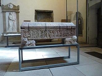 Adelochus - Image: Sarcophage d'Adeloch (2)