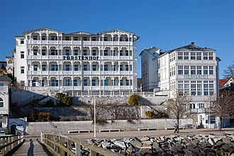 Sassnitz - Hotels at Sassnitz beach promenade (seen from the pier)