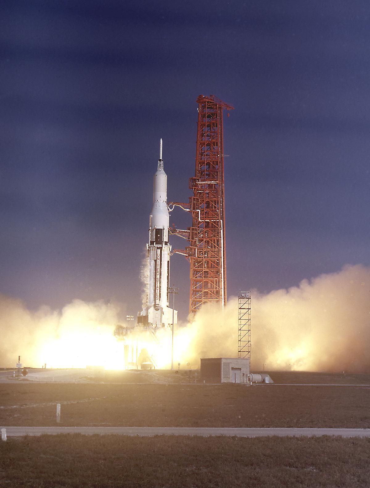 Резултат с изображение за НАСА изстрелва ракетата Сатурн I,