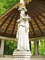 Schlosspark Glienicke - Statue (Glienicke Palace Park - Statue) - geo.hlipp.de - 36920.jpg