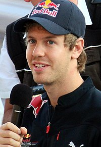 Sebastian Vettel 2010 Japan.jpg,เซบัสเตียน เฟทเทล,นักกีฬา,นักแข่งรถ,ประวัตินักกีฬา
