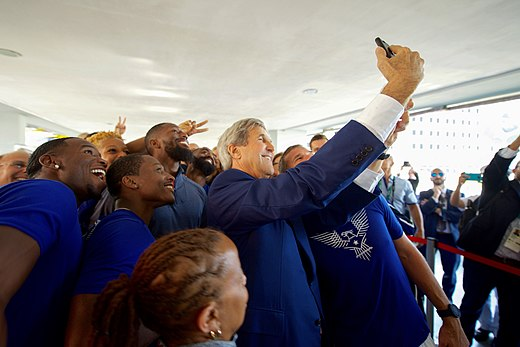 Secretary Kerry snaps a selfie with members of Team USA in Rio de Janeiro (28169863014).jpg
