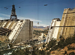 http://upload.wikimedia.org/wikipedia/commons/thumb/8/8b/Shasta_dam_under_construction_edit.jpg/250px-Shasta_dam_under_construction_edit.jpg