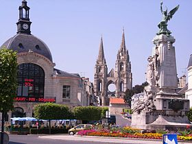 L'abbaye de Saint-Jean-des-Vignes et le Monument aux Morts de 1870