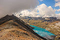 Sorebois Val d'Anniviers (2438 m). Zicht op bewolkte Corne de Sorebois (2896 m).jpg