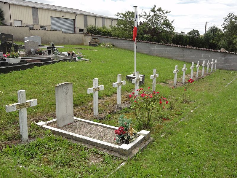 Sornéville (M-et-M) carré militaire du cimetière