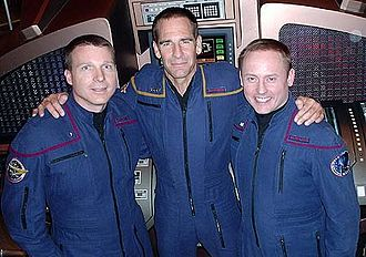Star Trek: Enterprise - Scott Bakula (center) was the producers' first choice for Captain Jonathan Archer.