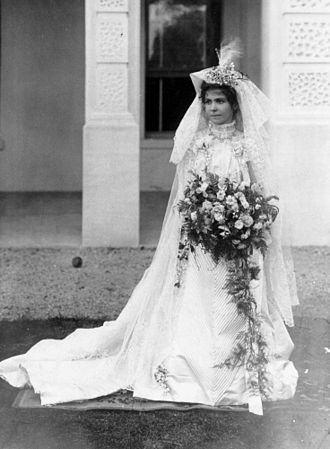 Limerick lace - Mary Thomas Ipswich on her wedding day, April 1901, Ipswich wearing a Limerick lace veil