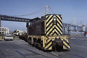 San Francisco Belt Railroad - Image: State Belt 25 loading TOFC flats on ship Sep 85x RP Flickr drewj 1946