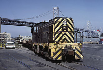 San Francisco Belt Railroad - Image: State Belt 25 loading TOFC flats on ship Sep 85x RP Flickr drewj 1946