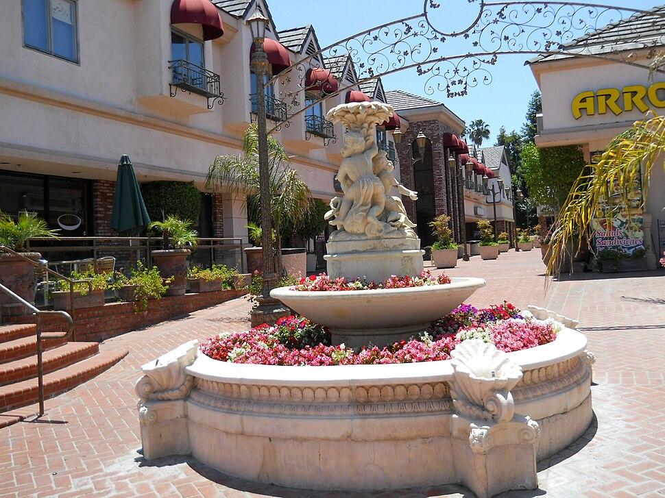 Statuary, Ventura Boulevard