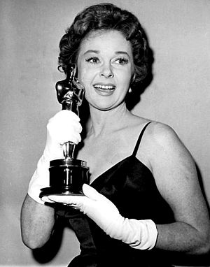 Susan Hayward - Hayward receiving an Oscar for Best Actress in I Want to Live (1958)