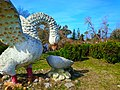 Swan statue - panoramio.jpg