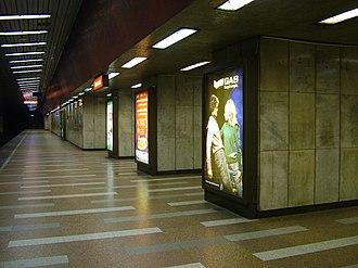 Line 2 (Budapest Metro) - Image: Széll Kálmán tér, Budapest metro
