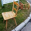 Tübinger Stuhl Model 1a mit Sitzvertiefung.jpg