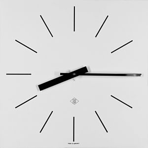 Wall clock manufactured by Telefonbau & Normalzeit