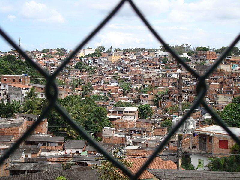 Tancredo Neves through Fence