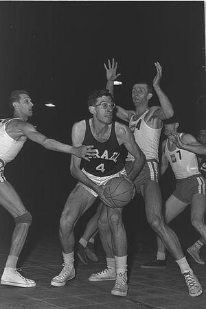 Tanhum Cohen-Mintz - Cohen-Mintz playing for Israel against Poland, 1962
