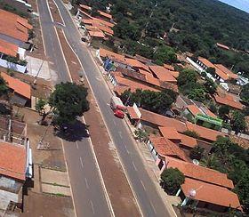 Avenida Dom Edilberto no centro de Tanque do Piauí