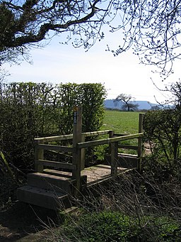 The Sandstone Trail and Beeston Castle - geograph.org.uk - 396353