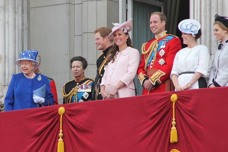 File:The royal family.JPG