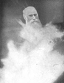 Thomas Everitt spirit photograph.png