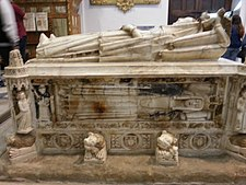 Tomb of Beatrice of Portugal, queen of Castile, in Mon. of Sancti Spiritus, Toro (Zamora) 2.jpg