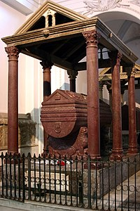 Tomb of Frederick II, Holy Roman Emperor - Cathedral of Palermo - Italy 2015.jpg