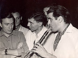Tony Scott (musician) - Tony Scott (far right) with Serbian clarinetist Mihailo Živanović (far left) in 1951