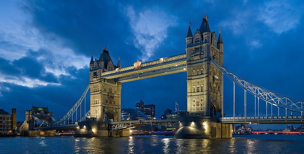 Tower bridge London Twilight - November 2006