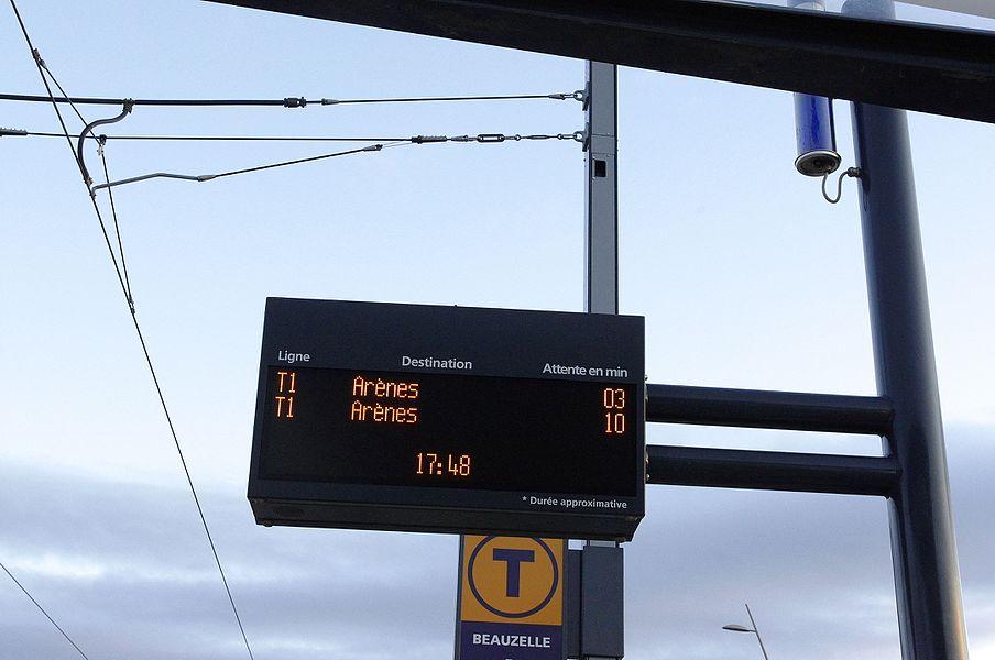 Toulouse. L'arrêt du tram à Beauzelle.