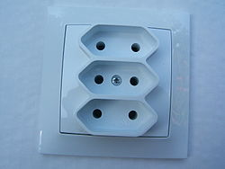 Triple-Euro-socket.JPG