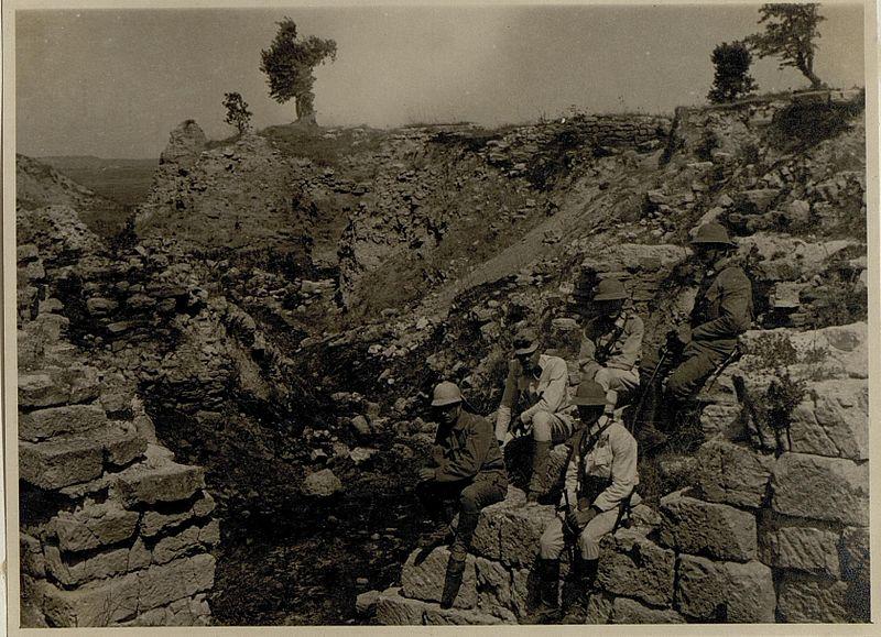 File:Troja röm.Mauer, (BildID 15546409).jpg