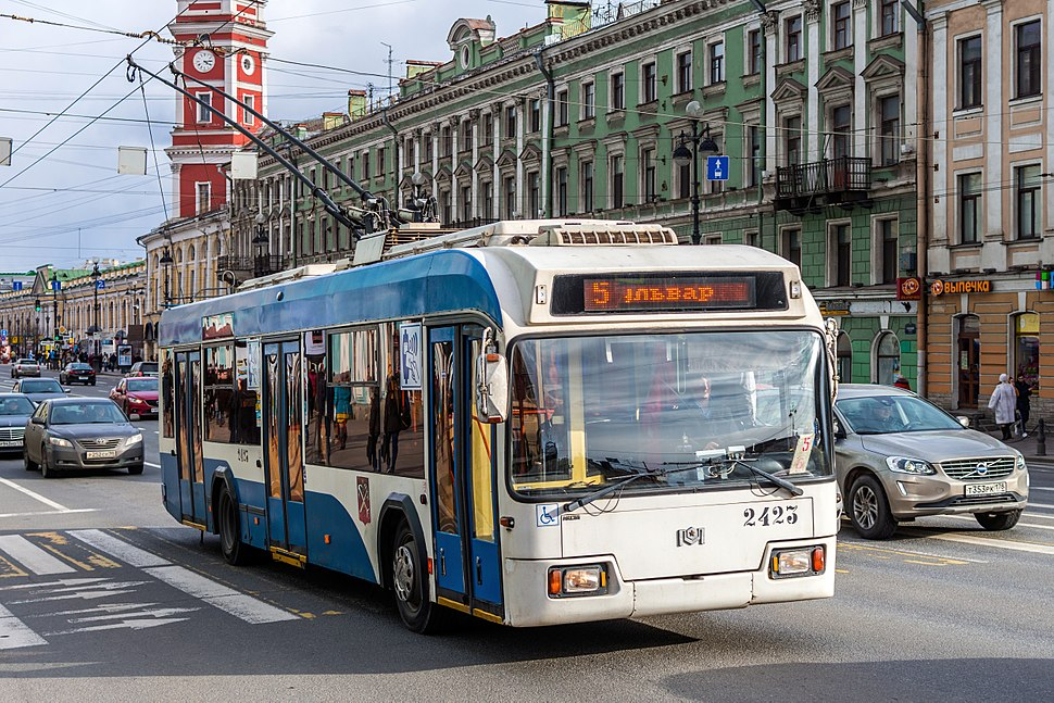 Trolleybus BKM-321 on Nevsky Avenue (img2)