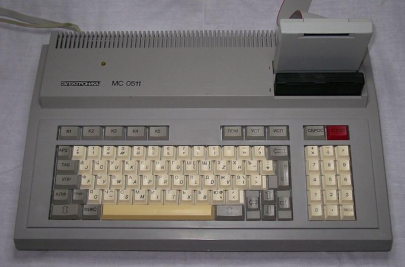 800px-UKNC.jpg