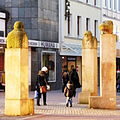 Ulrike Enders - Drei mögliche Denkmäler.jpg