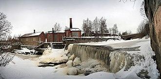 Vantaa (river) - A weir on the Vantaa and a small hydro-electric power station by Kuninkaankartanonsaari island in Vanhakaupunki