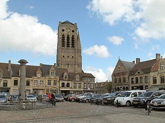 Veurne - Church (parochiekerk Sint Niklaas) from de Grote Markt