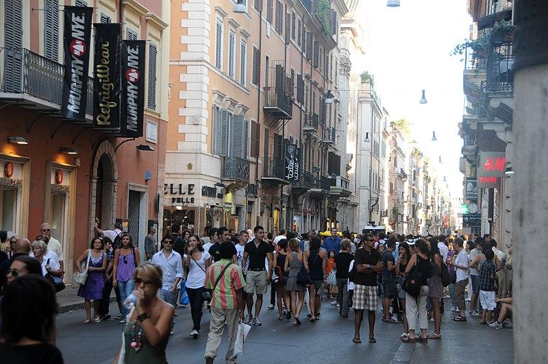 File:Via del Corso à Roma (4999193609).jpg