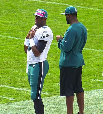 Vince Young - Young on the sidelines during an Eagles game in 2011.