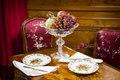 """Vindruvor och frukt i Röda Salongen. Utställningen """"Smak av svunnen tid"""" år 2007 - Hallwylska museet - 86257.tif"""