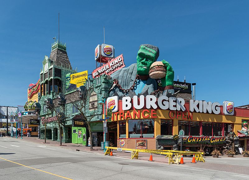 File:Visitor attractions and restaurants, Clifton Hill, Niagara Falls ON 20170418 1.jpg