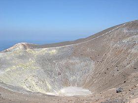 Vulcano crater.jpg
