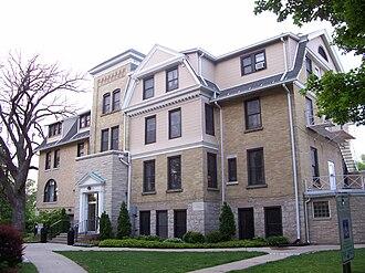 Wayland Academy, Wisconsin - Image: Wayland Academy Warren Cottage
